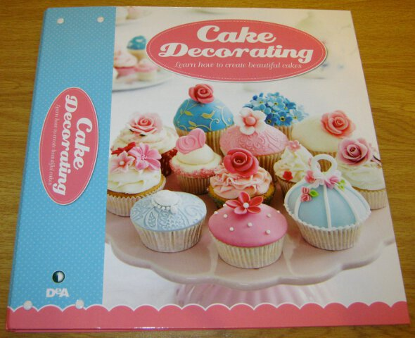 Cake decorating folder